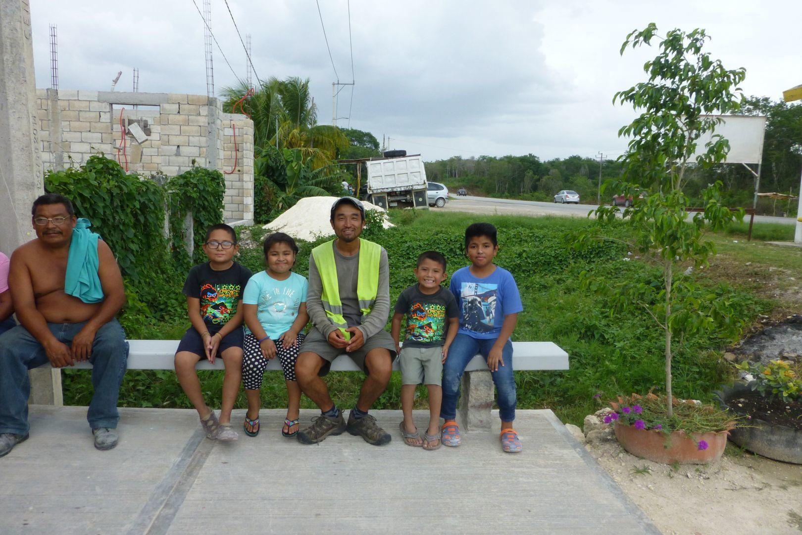 con niños y niñas