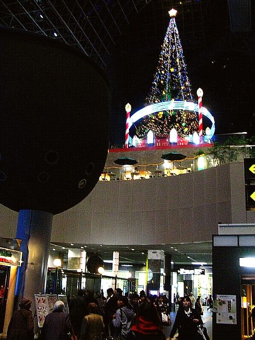 2013_11_25京都駅:クリスマス夜景12