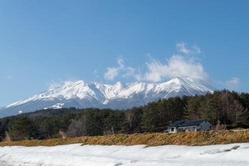 開田高原あたりからみた御嶽山