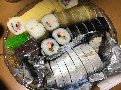 巻き寿司を買って盛り合わせ