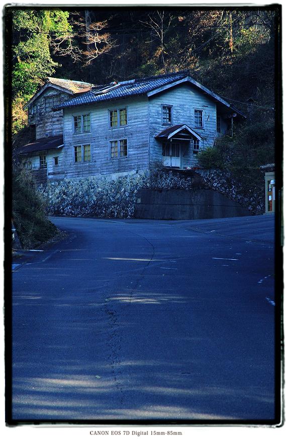 旧瀞郵便局庁舎1712kii014.jpg