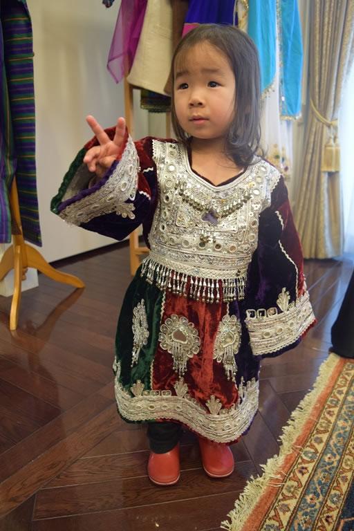 アフガニスタン民族衣装1