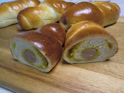 カレーポテトウインナーパン