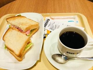 IMG_180117_1508 病院内の「ドトール」朝カフェ「エッグトースト」390円_VGA