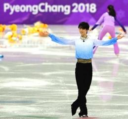 180216 「平昌五輪」男子フィギュア111.68でSP首位の羽生結弦選手 m_20180216106