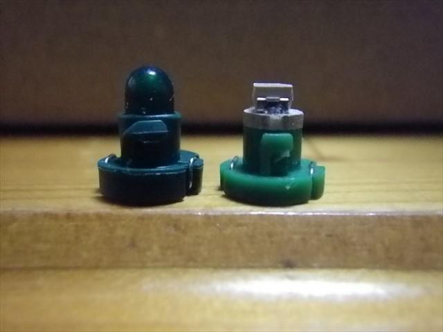 標準の電球とLED-2