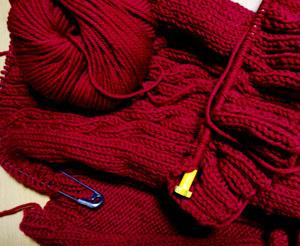 赤い毛糸で