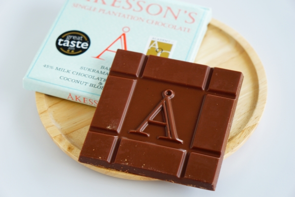 【AKESSON'S】BALI SUKRAMA FARMS 45% MILK CHOCOLATE with FLEUR DE SEL & COCONUT BLOSSOM SUGAR