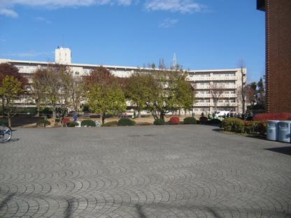 23 研究棟と学生寮