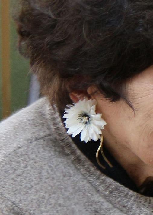 花のイヤリング作ろうかな 30 1 13