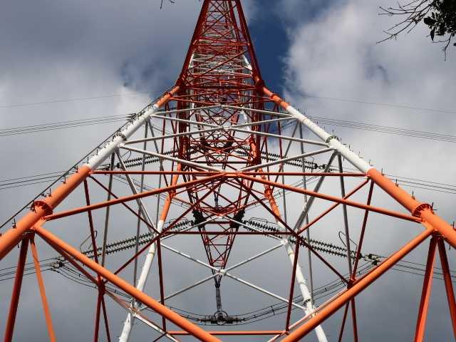 IMG6614JPGピークより5分の朱色鉄塔