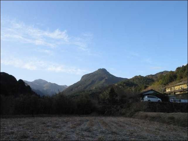 IMG2964JPG求菩提山を見る