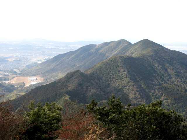 IMG3161JPG歩いて来た金剛山を見る