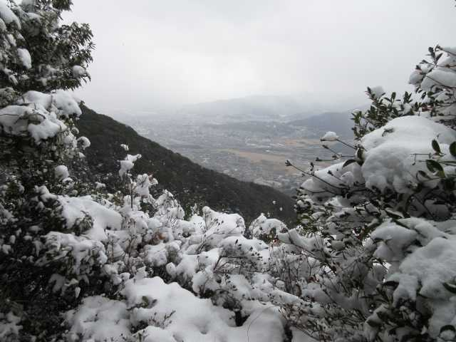 IMG3195JPG展望岩より貫山は見えない
