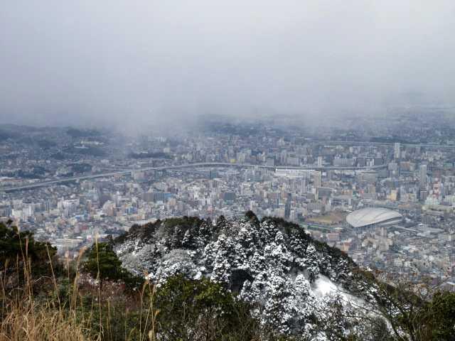 IMG3221JPG雪雲に覆われた小倉市街地