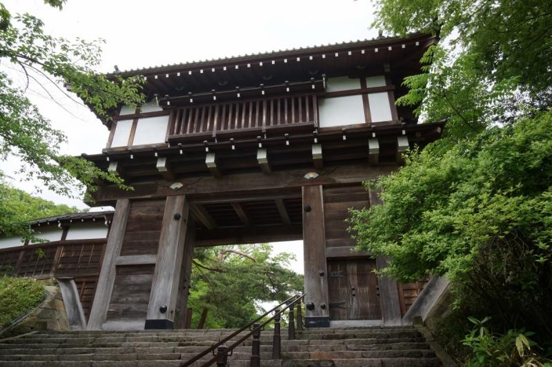 3久保田城の門 (1200x800)