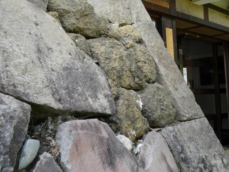 4石 (1200x900)
