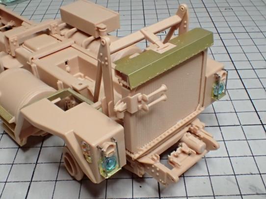 M1070&M1000重装備運搬車 車体前部