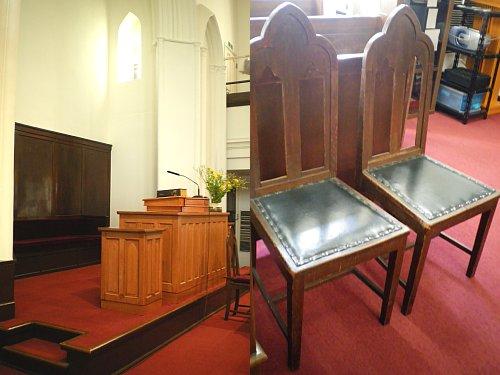 指路教会・椅子