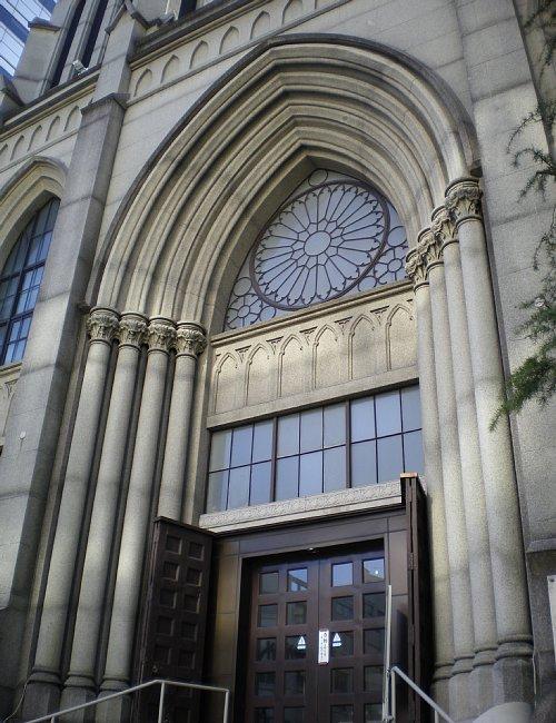 指路教会・玄関