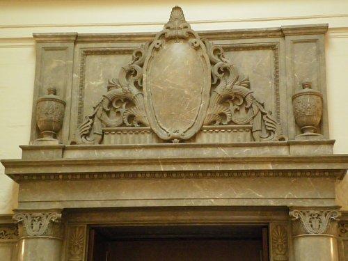 御休所ドア上装飾