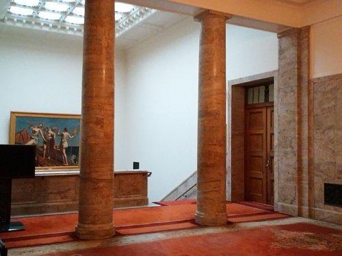 衆議院・2F階段ホール