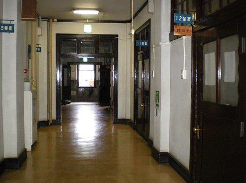 岩手県公会堂・1F東側廊下