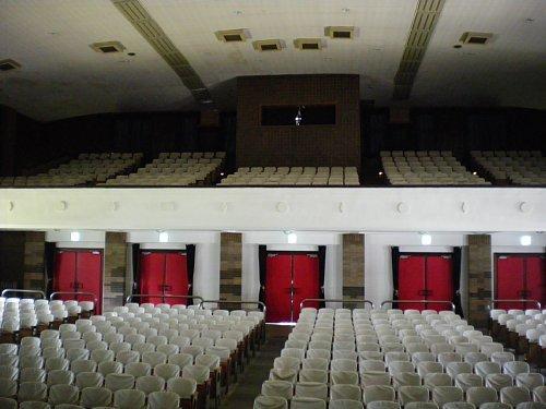 岩手県公会堂・大ホール2