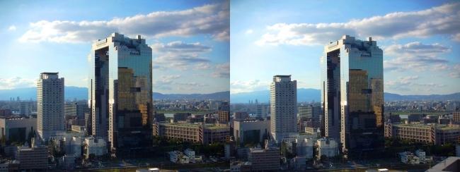 大阪ステーションシティからの梅田スカイビル2017.10.8(平行法)