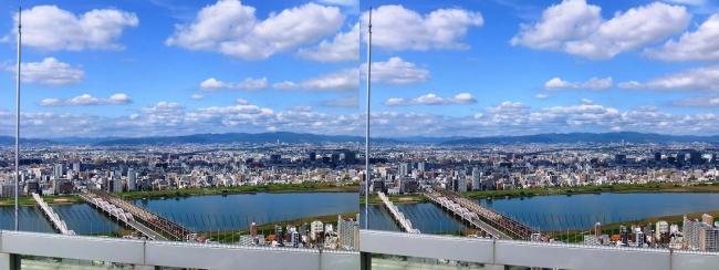 梅田スカイビル空中庭園展望台眺望2017.10.8⑥(交差法)