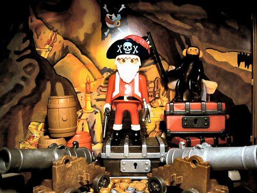 07 500 pirate santa