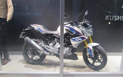 G 310 R - BMW Motorrad Japan S1000RR 中型スクーターC400X RC250(KTM)390DUKE125/200スズキGSR250ホンダCBR250RRカワサキNinja400
