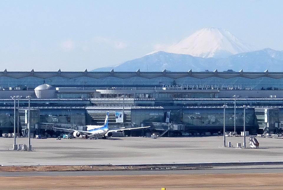 6107 羽田国際線と富士 640×430