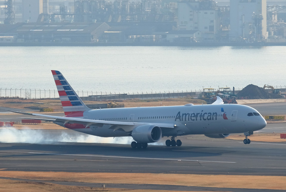 0660 アメリカン航空 960×645
