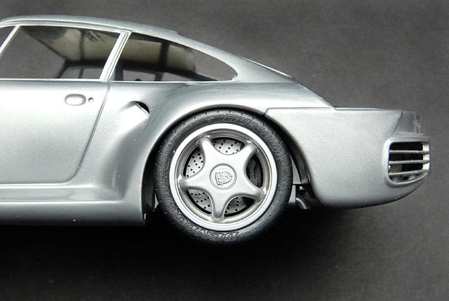 6302 959 タイヤハウス 640×430