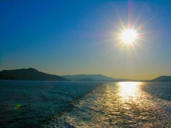 まぶしい太陽と海(三重県)