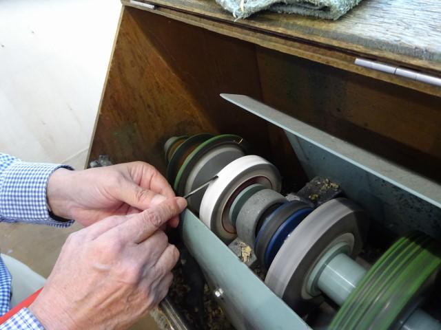 彫刻刀砥石 機械