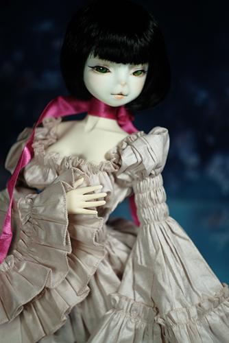 お譲り頂いた、DEAR MINE、DIANAヘッドカスタムの猫レディ、珠世さん。素敵なナイトドレスに身を包んで。