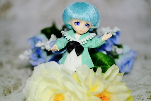 PARABOX・プチフェアリーをメイクした、ふうちゃん。お花と一緒に写真を撮ってみました。