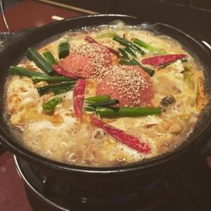 坦々赤トマトチーズ豚鍋