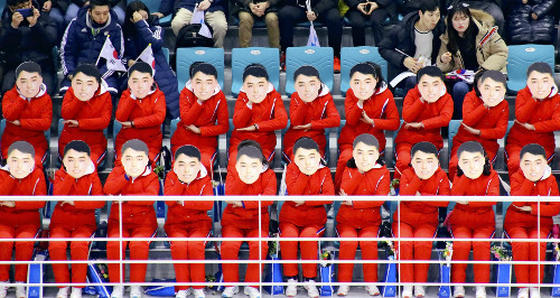 北朝鮮 平昌五輪 応援団 お面 イシマタラ モルゲッソヨ