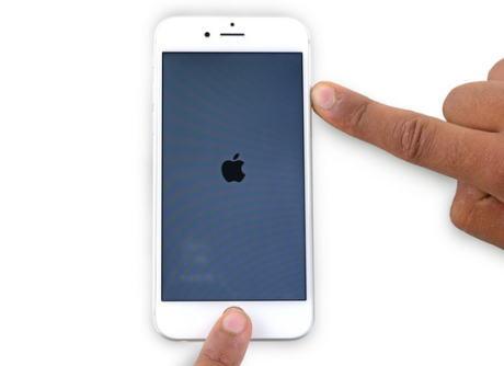 iPhone Apple 性能低下 バッテリー