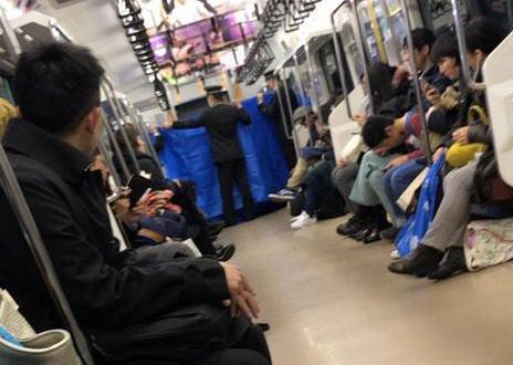 JR常磐線の電車内で産気づいた25歳女性、女の赤ちゃんを出産 … 隣の乗客は元看護助手、駅員が白いタオルを集めたりアナウンスで医者を探す、乗客も出産の手助け