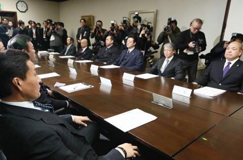 日本相撲協会、貴乃花親方の言い分をを無許可のまま放送したテレビ朝日に激怒 … 相撲協会に無許可で放送、肖像権を侵害されたとしテレビ朝日を出入り禁止に