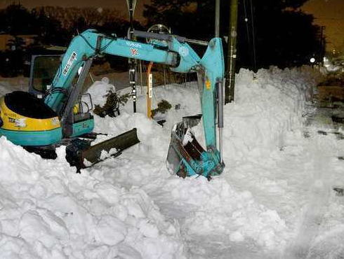 1日3~4時間の仮眠だけで昼夜を問わず除雪作業をしていた重機オペレーター(66)、疲労が原因で死亡か … 市の依頼を受けて除雪作業、「遅い」「今ごろ何をしてる」と罵声を浴びる事も