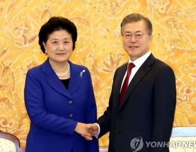 韓国・文在寅大統領、アメリカに対し北朝鮮との対話のハードルを下げるように要請 「北朝鮮も非核化の意志を見せなければならない」