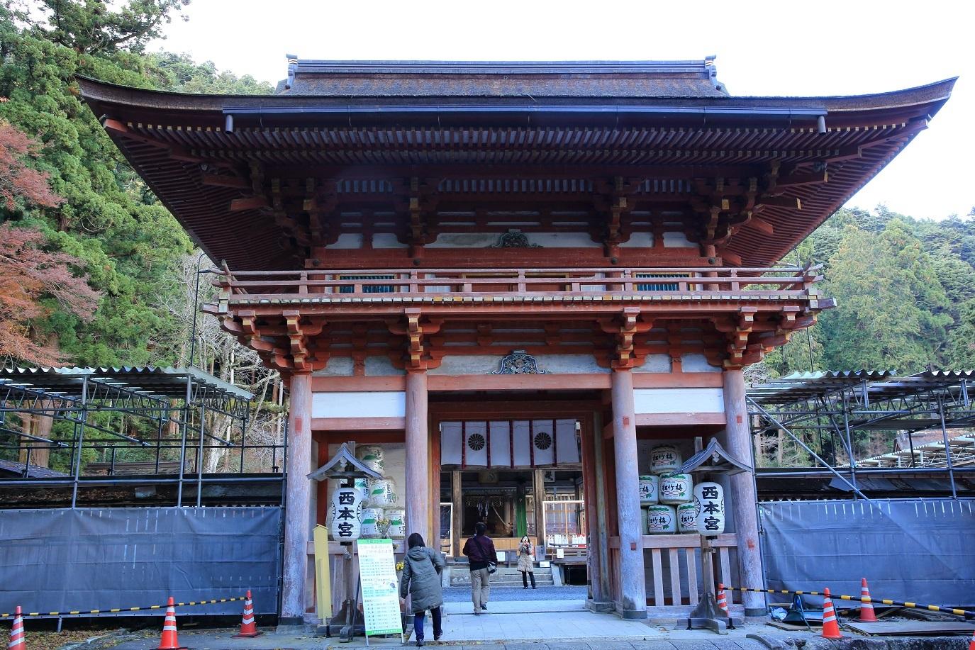 ブログ 日吉神宮の西本宮.jpg