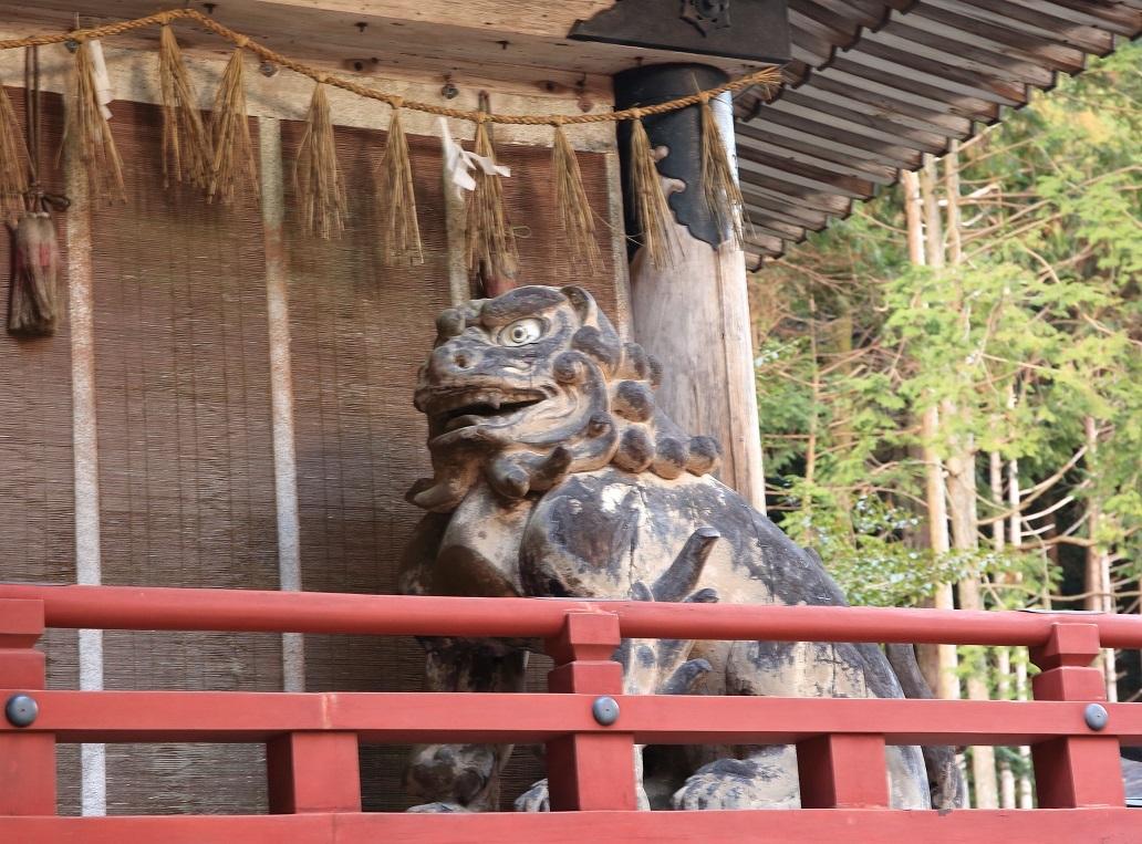ブログ 阿の狛犬.jpg