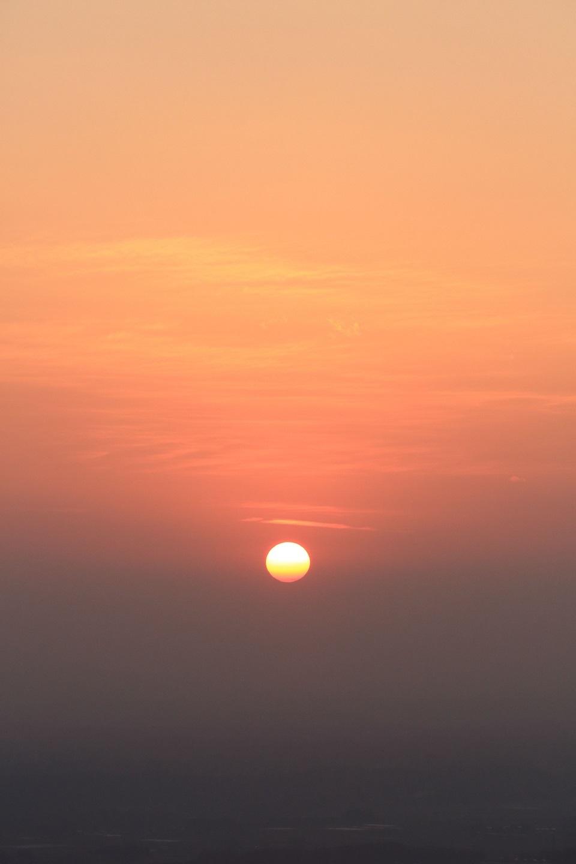 2018 1 20 ブログ 春霞の様な夕陽.jpg
