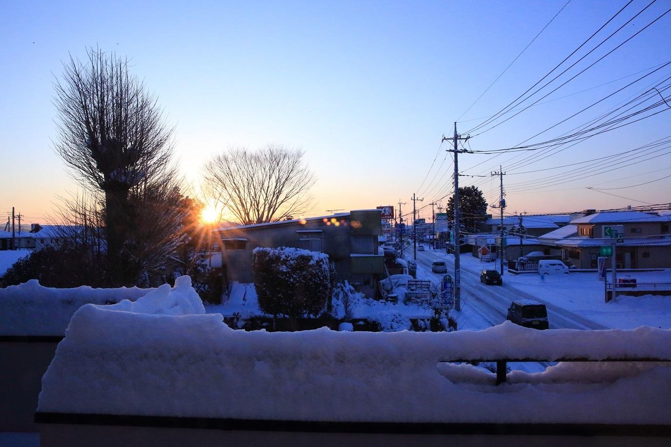 2018 1 23 ブログ 雪 日の出.jpg